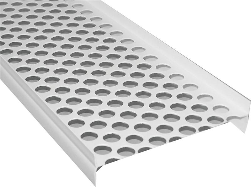Gutter Guard 5ft White Plastic Case Of 20